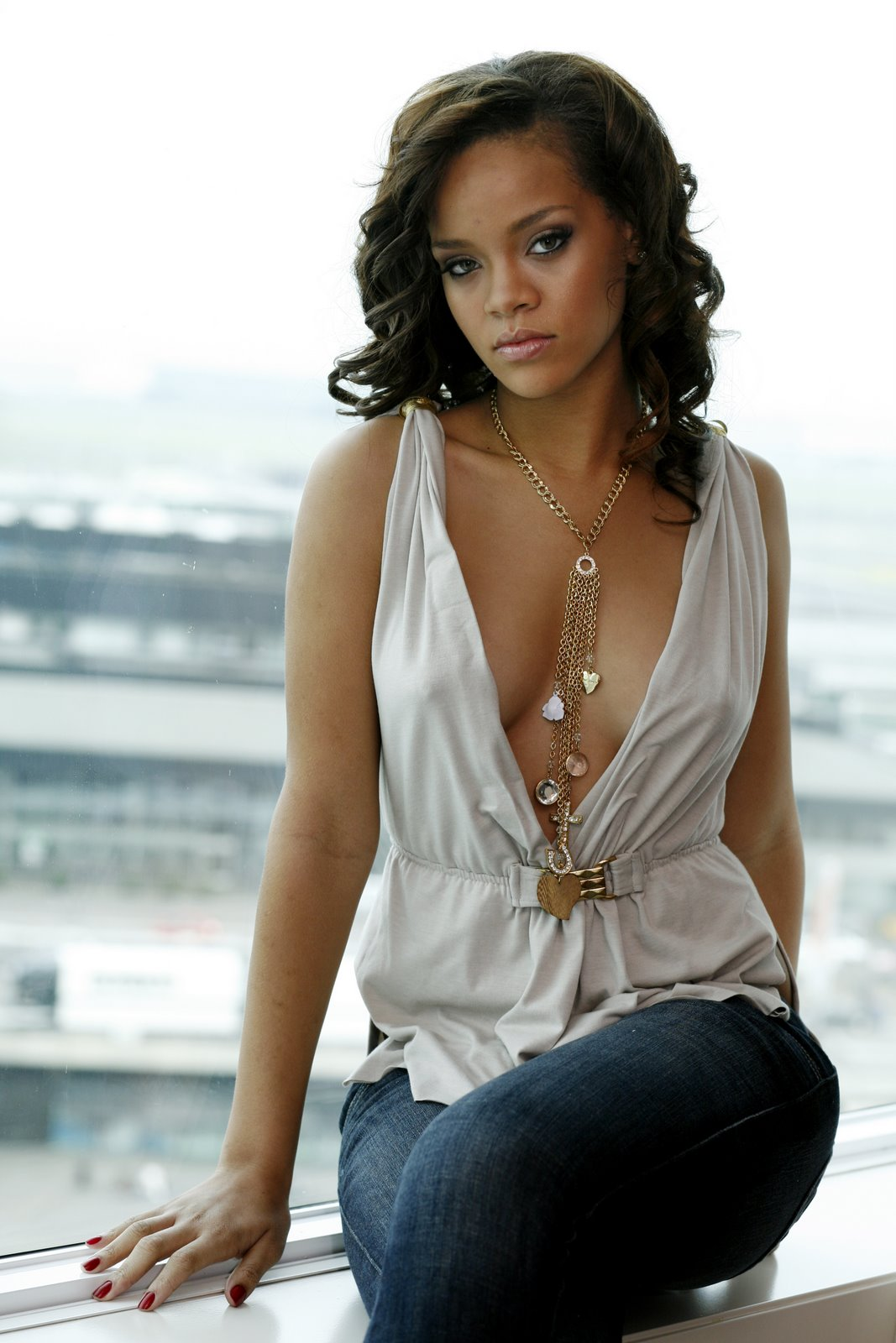 rihanna the netherlands photoshoot sweet celebrity